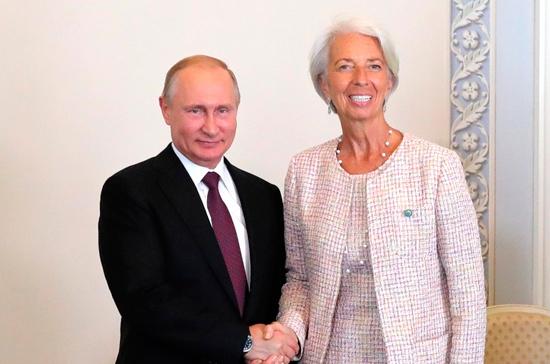 Путин: МВФ играет важную роль в поддержании глобальной стабильности