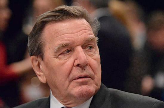 Герхард Шредер обвинил США в давлении на Европу