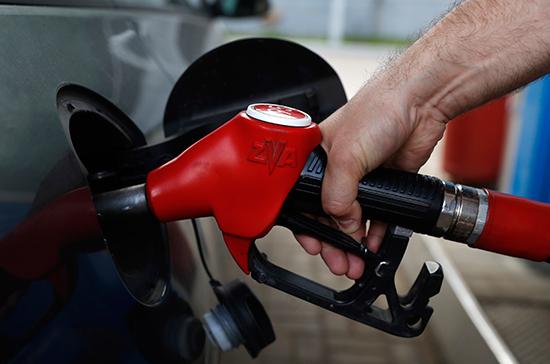 Бензин резко подскочил в цене, обещая не останавливаться на достигнутом