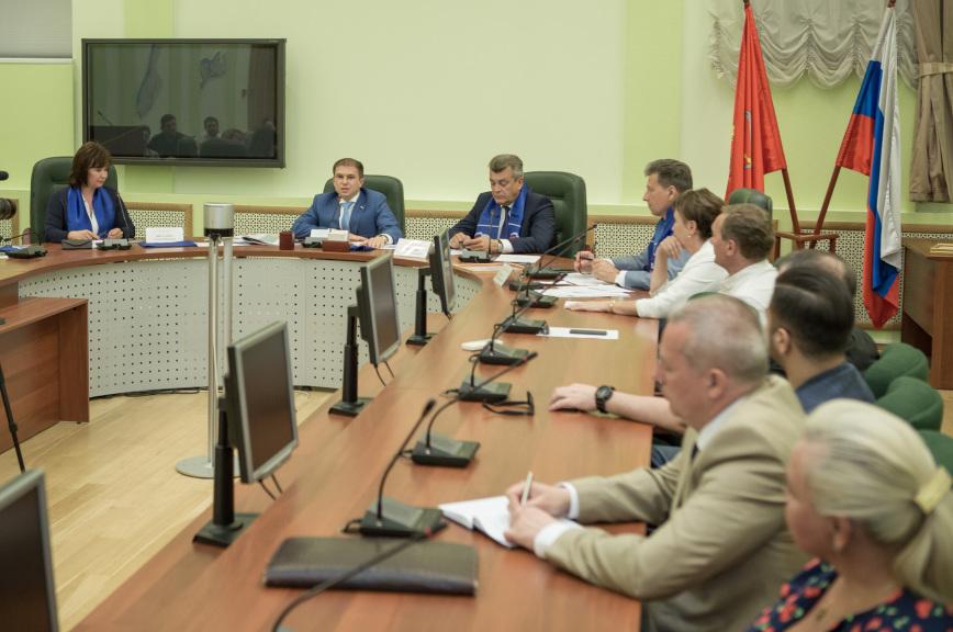 Романов: закон о контрсанкциях не усложнит жизнь россиян
