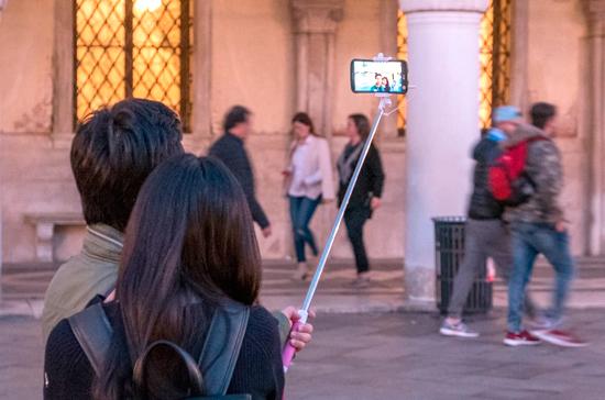 Фотографировать европейцев теперь нужно с опаской