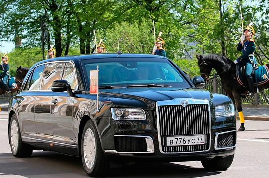 Путин показал наследному принцу Абу-Даби лимузин проекта «Кортеж»