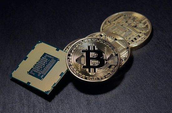 Блокчейн в банковские технологии внедрят до конца года