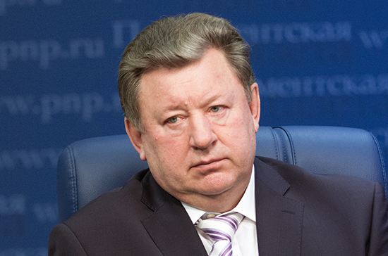 Кабмин должен компенсировать фермерам рост цен на топливо, считают в аграрном комитете Госдумы