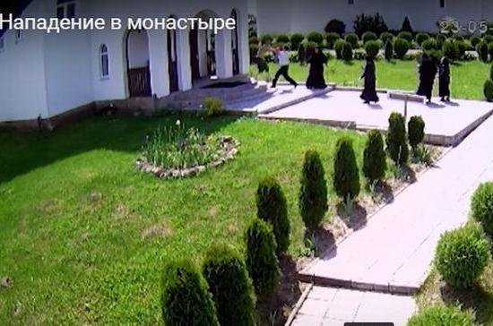 Пьяный житель Калининградской области напал на монахинь и полицейского