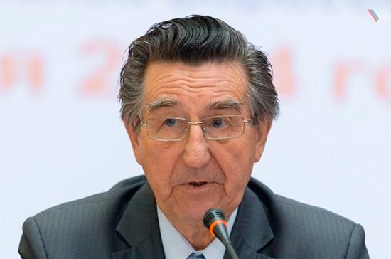 Поправки о повышении экспортных пошлин на нефтепродукты поступят в Госдуму «на днях», заявил Ефимов