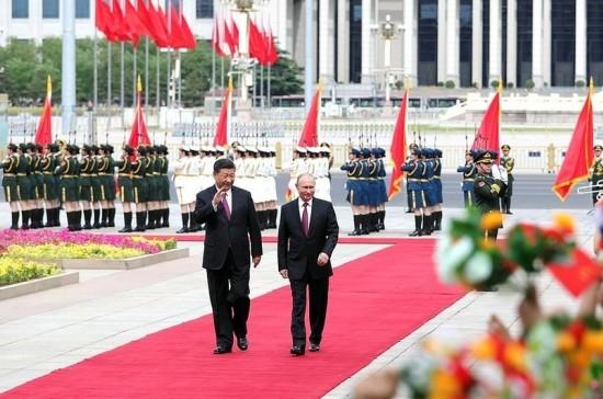 Путин и Си Цзиньпин подписали совместное заявление по итогам переговоров в Пекине