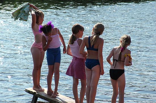 В России могут расширить льготы на отдых в детских лагерях