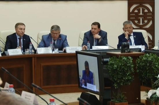 Рязанский призвал развивать институт семейных врачей