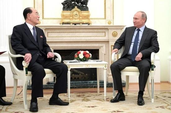 Путин получил письмо от Ким Чен Ына
