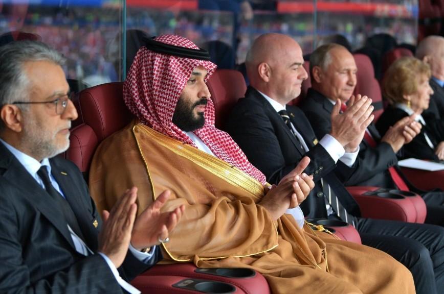 Путин обнял принца Саудовской Аравии после пятого гола