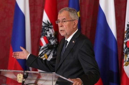 Президент Австрии осудил Facebook и Google за манипуляции общественным мнением