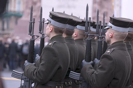 В школах Латвии введут военное обучение