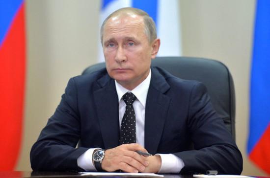 Путин в День памяти и скорби возложил венок к Могиле Неизвестного Солдата