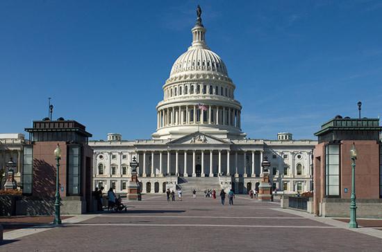 Всем конгрессменам из делегации США выданы российские визы, сообщил Косачев