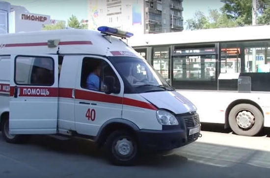 В Барнауле 77-летнюю женщину больше часа держали в жару в автобусе из-за забытого пенсионного удостоверения