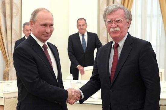 Путин на встрече с Болтоном поздравил США с правом провести ЧМ по футболу — 2026