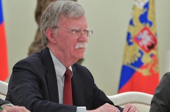 Болтон не исключил, что Путин и Трамп обсудят тему «вмешательства РФ» в выборы в США