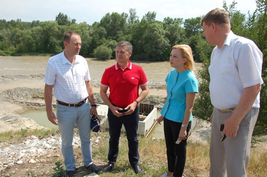 Тимофеева: строительство водовода в станице Беломечетской завершится к декабрю 2018 года