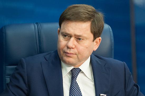 Кривоносов просит Козака проверить ситуацию с повышением цен на судовое топливо