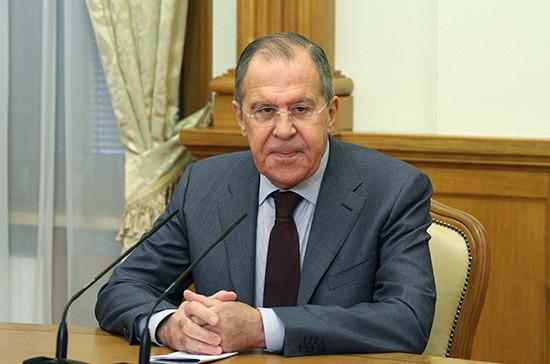 Лавров сравнил обвинения Запада в адрес РФ с логикой королевы из «Алисы в Стране чудес»