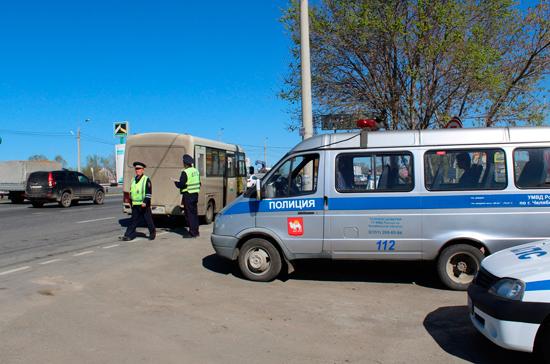Сотрудники ГИБДД могут сопровождать транспорт по новым правилам