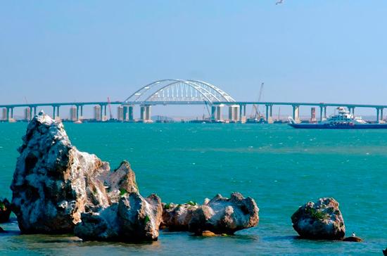 Железнодорожники рассказали, сколько поездов будет курсировать по Крымскому мосту к 2020 году