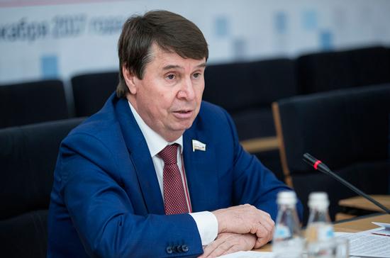 Цеков ответил на обещание Порошенко поднять флаг Украины в Крыму