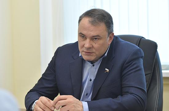 Российские парламентарии обсудят с делегацией США снятие санкций с членов Совфеда и Госдумы