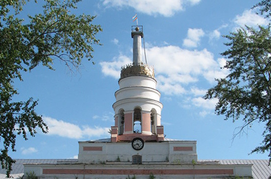 В Ижевске при пожаре рухнула башня главного корпуса оружейного завода — символ города