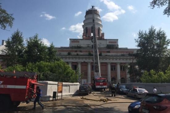 Власти Ижевска хотят восстановить пострадавший от пожара корпус оружейного завода