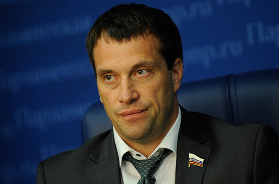 Исаков предложил выяснить, есть ли в посёлках центры спорта и творчества для молодёжи