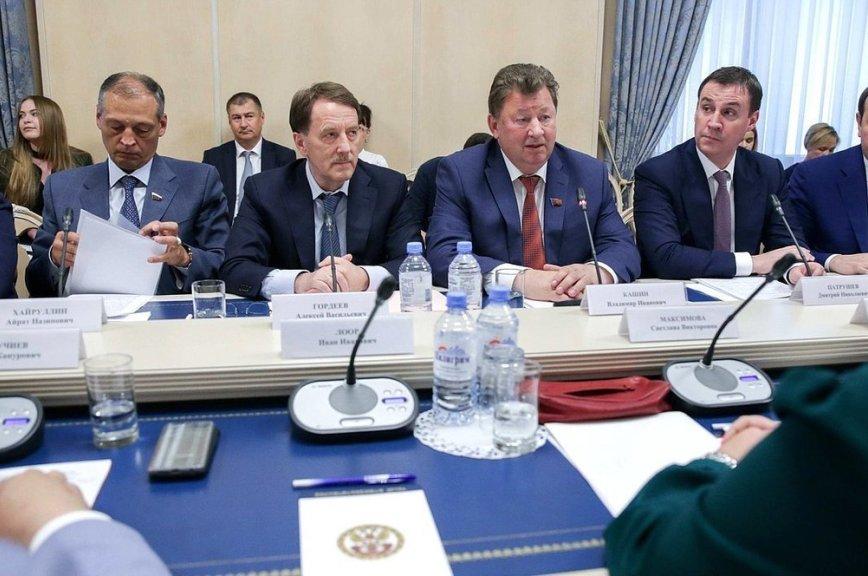 Гордеев заявил о необходимости повышения качества аграрной продукции