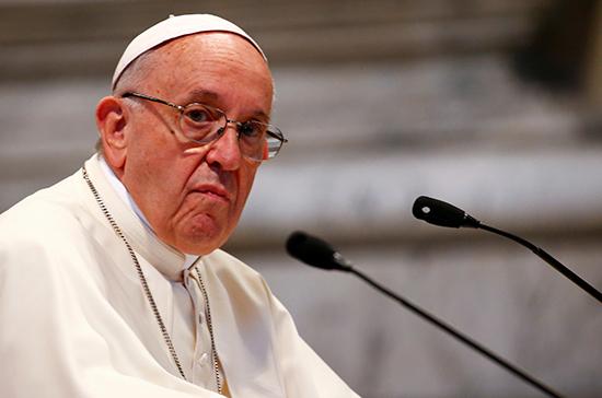 Папу римского Франциска в Литве сводят в музей оккупаций