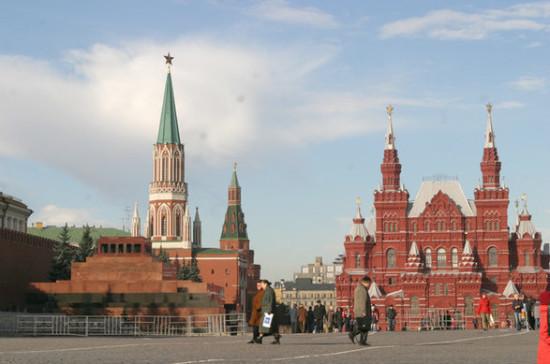 Система ПВО и ПРО Москвы способна отразить любое нападение, заявили в Минобороны