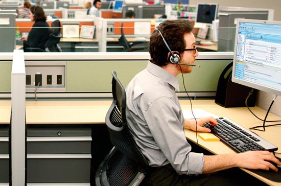 Приставы будут контролировать количество звонков гражданам от коллекторов