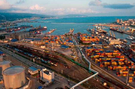На Украине хотят ввести санкции против российских портов в Чёрном море