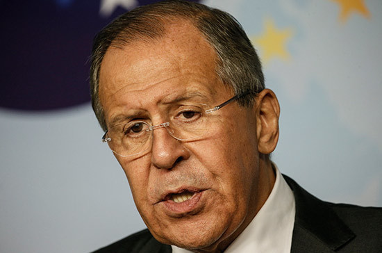 В МИД отказались отправлять Лаврова в Грецию