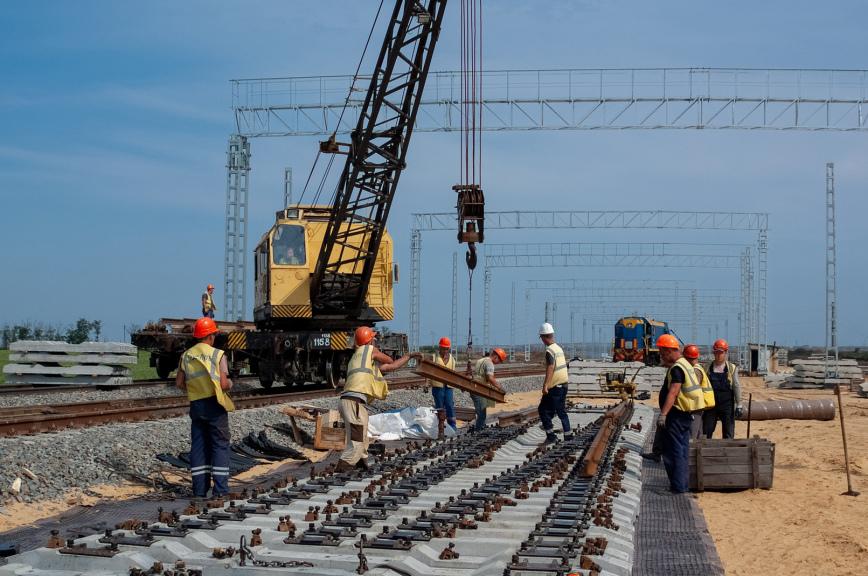 Железнодорожники уложили 80% «бархатного пути» к Крымскому мосту