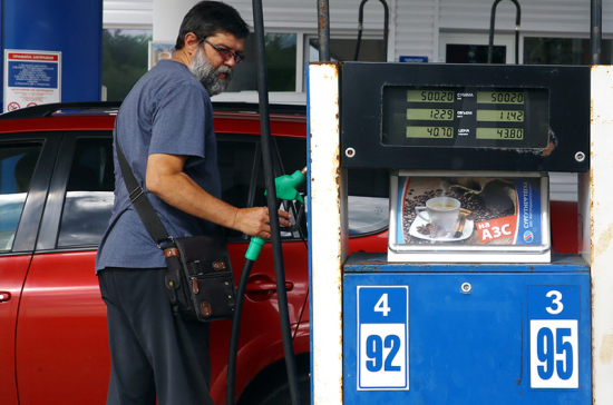 Путин снизит цены на бензин при помощи «дубинки»