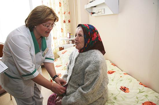 Минтруд: финансирование проектов по уходу за пожилыми увеличится в 6 раз к 2024 году