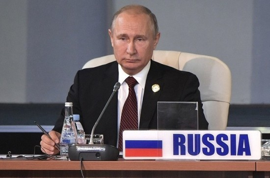 Путин назвал ограничения на расчёты в долларах большой ошибкой США
