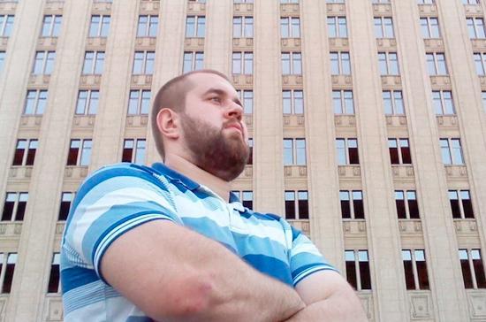 Избивший журналиста НТВ дебошир рассказал, как будет отмечать День ВДВ
