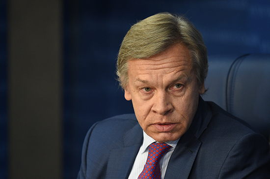 Пушков ответил Турчинову на идею сажать в тюрьму за торговлю с Россией