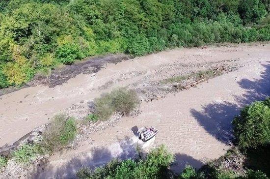 В Сочи нашли тело одного из унесенных рекой детей