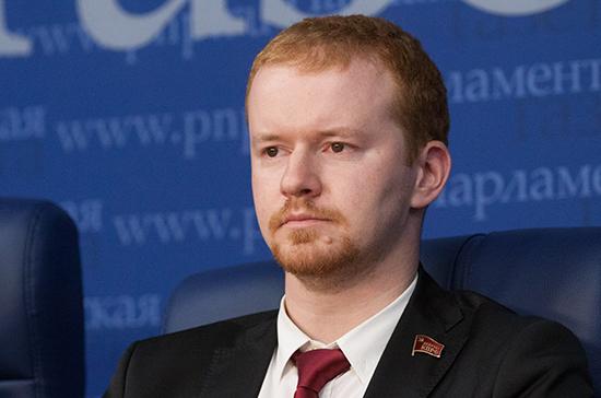 Парфёнов призвал власти Японии «отложить в сторону мечты о Курилах»