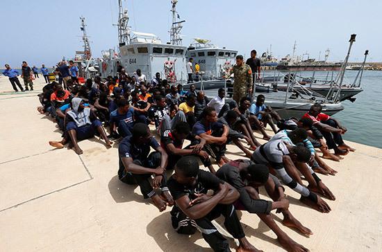 Италия передаст береговой гвардии Ливии 12 патрульных катеров
