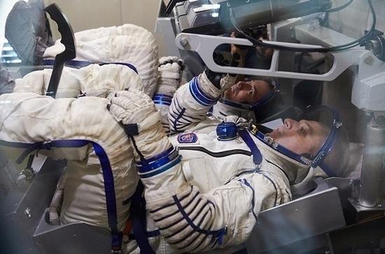 В Роскосмосе отобрали кандидатов, которые могут стать первыми россиянами на Луне