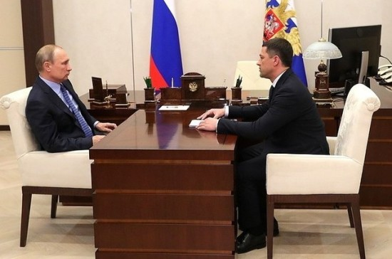 Путин обсудил с главой Псковской области проблемы региона