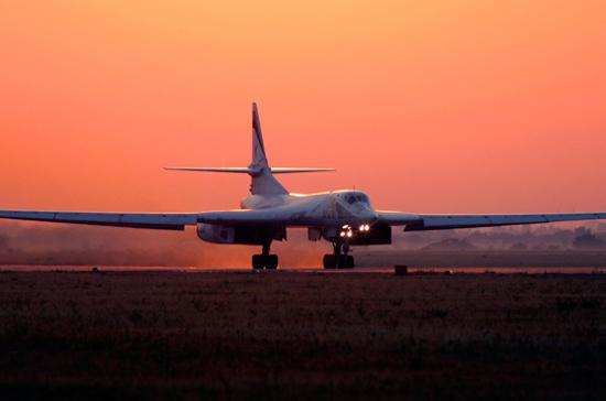 Ракетоносцы Ту-160 впервые совершили посадку на аэродроме Анадырь